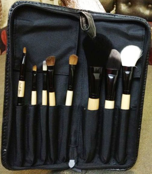 Catwalk-Glamour Luxury Sable 8 Makeup Brush Set