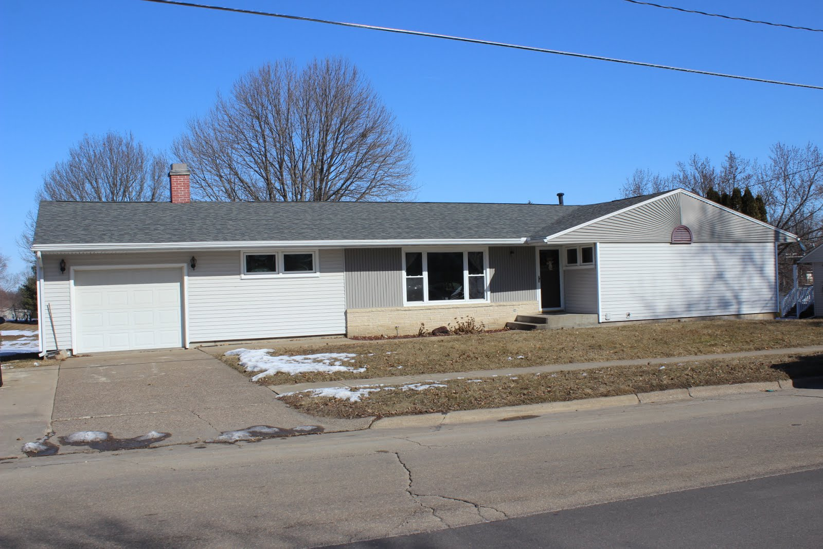 704 West Summit, Maquoketa, IA *PENDING*
