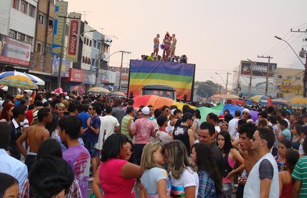 Parada do Orgulho LGBT de Taguatinga na Comercial Norte: a sétima edição do evento está marcada para o próximo dia 16 (Foto: Hernanny Queiroz/Arquivo/Gay1)