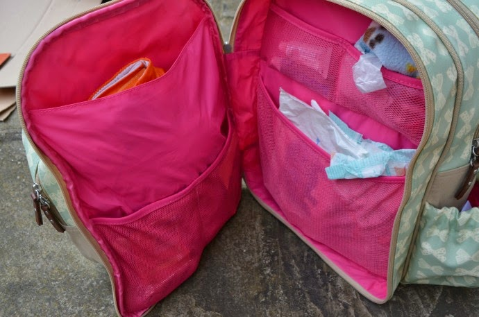 pink lining review, wanderust backpack, nappy bag contents