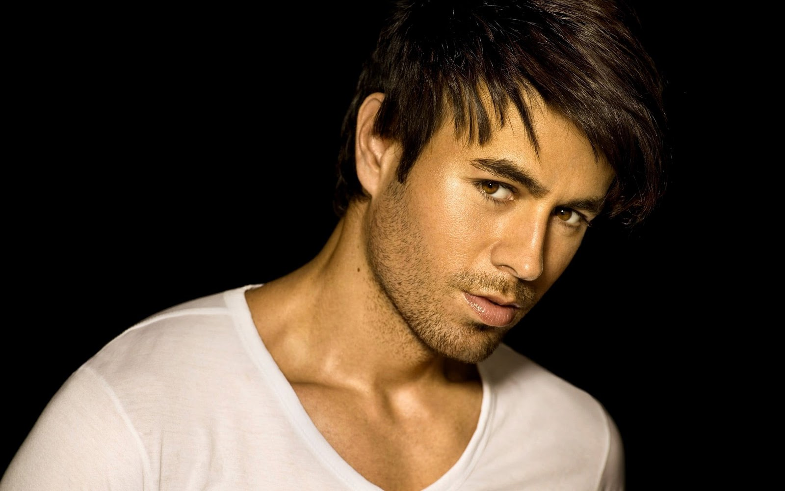 enrique iglesias Find enrique iglesias bio, music, credits, awards, & streaming links on allmusic - the son of global superstar julio iglesias, he's.