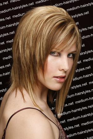 http://1.bp.blogspot.com/-ZKkfHNxfPx4/TfSXGrOuGYI/AAAAAAAAAHw/7LK_sPL8kqU/s1600/New+Hairstyle++%25281%2529.jpg