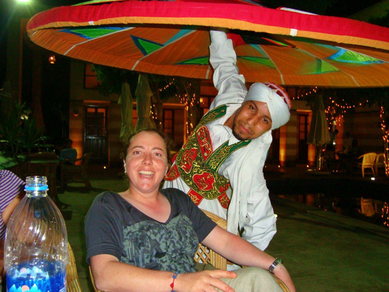 Cena con espectaculo de bailarines derviches en Egipto
