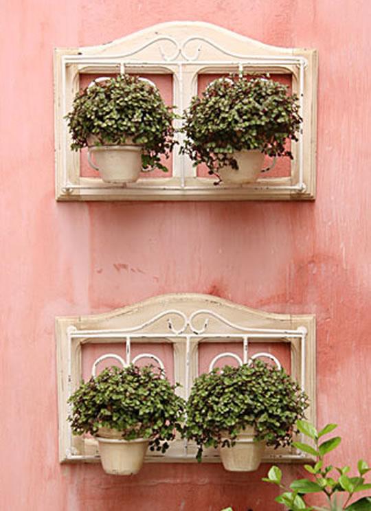 grades jardim vertical : grades jardim vertical:Janelas antigas podem ser renovadas através de uma pintura diferente