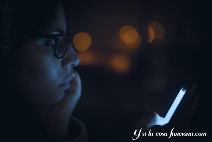 Móvil Smartphone noche insomnio redes sociales