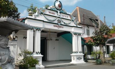 Betty Bandung: BACKPACKER KE CANDI PRAMBANAN & KERATON JOGJA