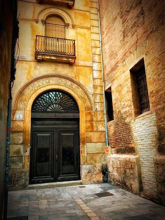 Callejeando por valencia la casa del verdugo la - Casas del mediterraneo valencia ...