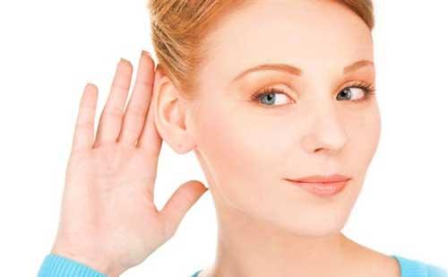 como disimular las orejas de soplillo