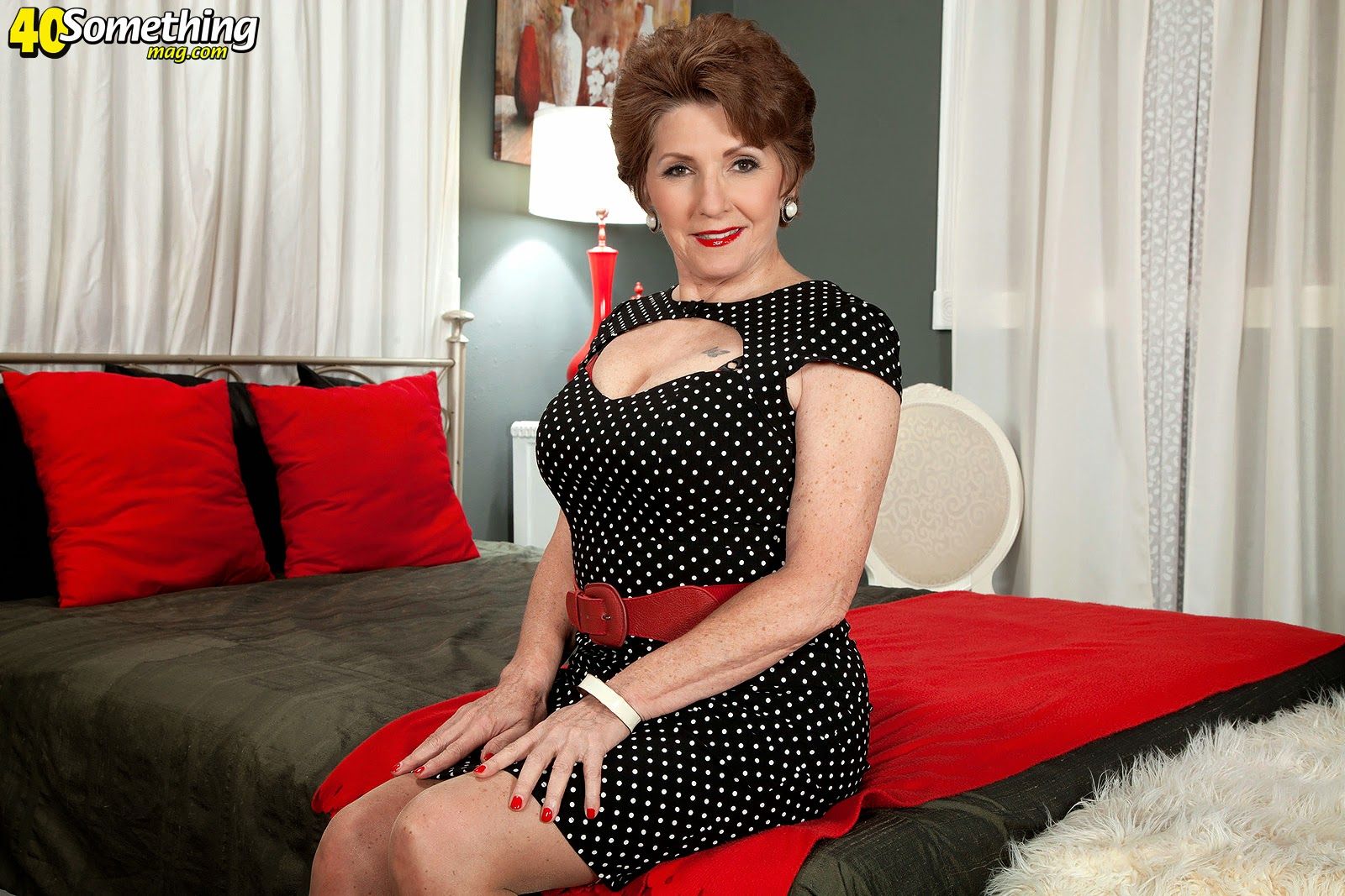 Bea Cummins And Jewel Beautiful bea cummins is 70 and still loves to strip | hot mature women