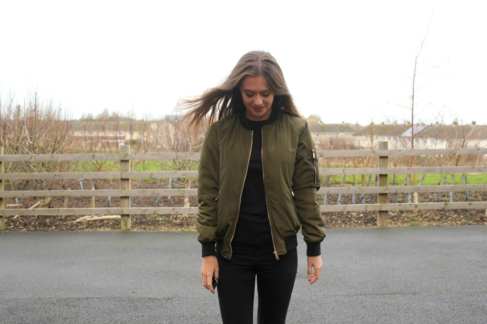 PETITE DECEMBER: THE BOMBER JACKET