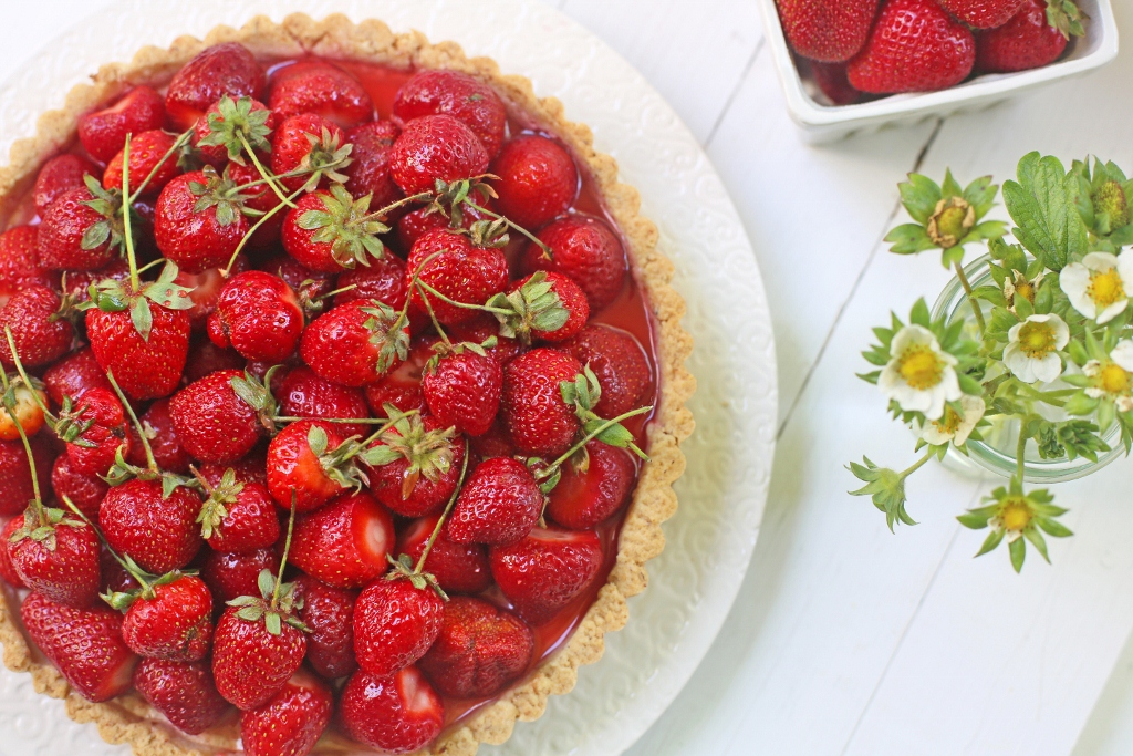 ... Sweet and Savory: U-pick Strawberries and a Strawberry Ricotta Tart