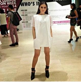 Gambar Hanez Suraya Di KL Fesyen Week Yang Tak Cukup Kain