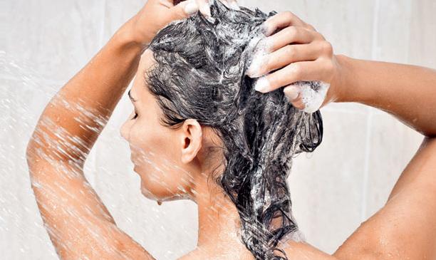 Limpeza pra todo tipo de cabelo.