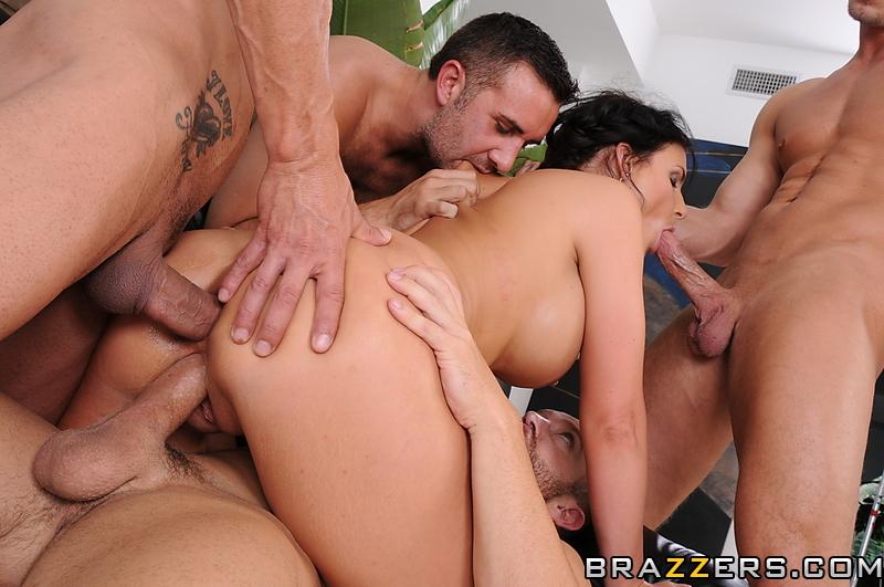 Смотреть бесплатно полное порно от бразерс 8 фотография