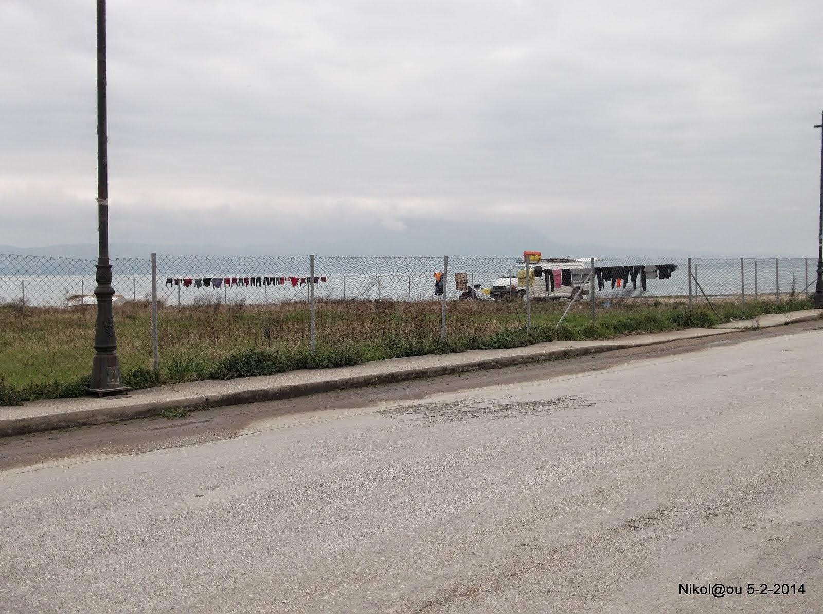 Η παράνομη περίφραξη αιγιαλού και παραλίας στο Βραχάτι!  Δήμαρχος, Προεδρος, υπάρχουν?