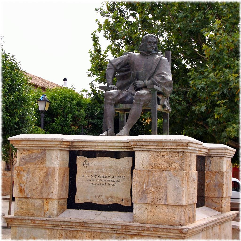 Estatua de Quevedo, Torre de Juan Abad