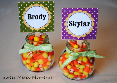 http://sweetmetelmoments.blogspot.com/2011/11/free-printable-thanksgiving-placecards.html