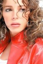 تقرير كامل عن قصة حياة الممثلة السورية سوزان نجم الدين Suzan Najm Aldeen