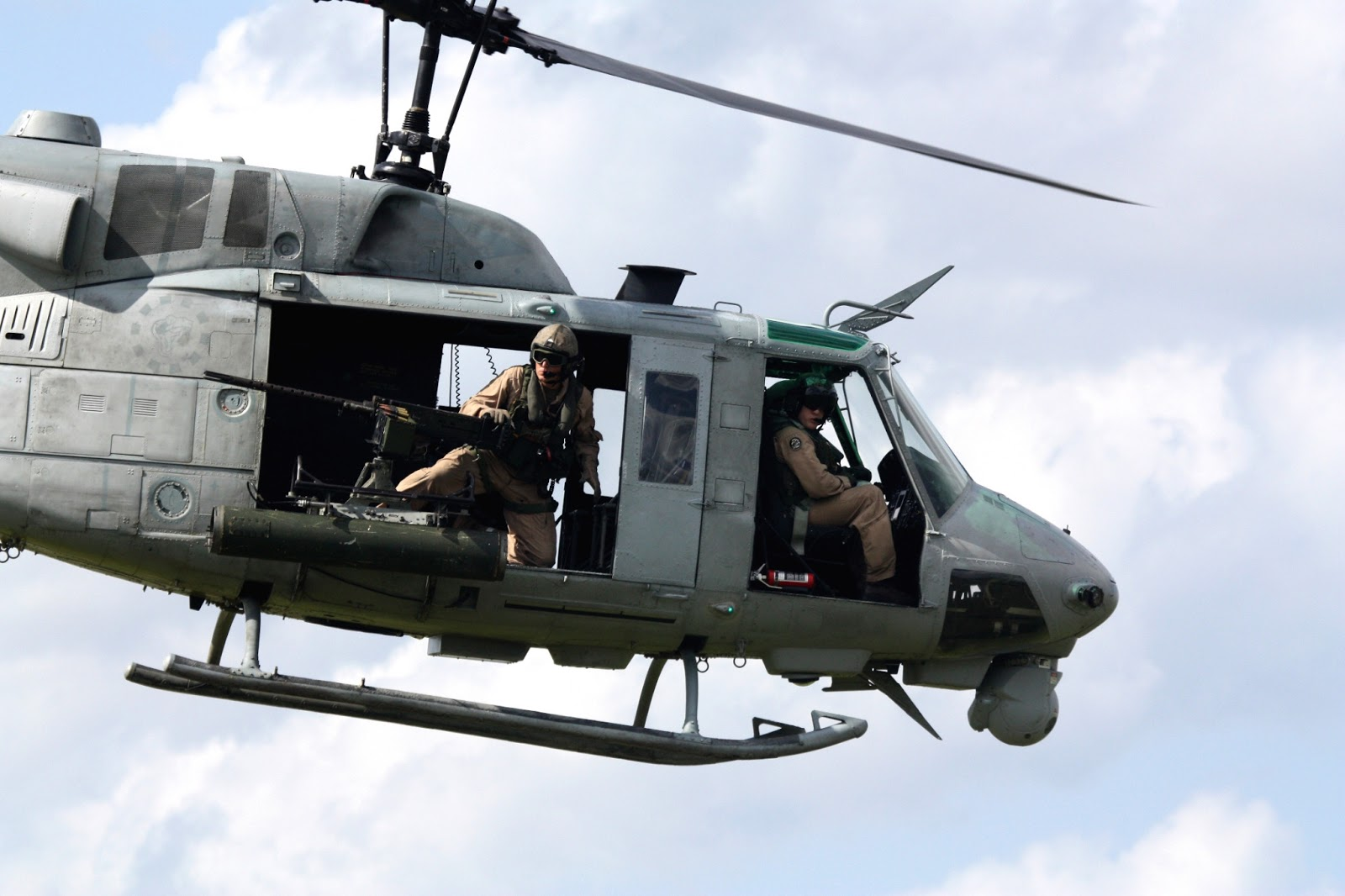 Elicottero Uh 1 : Public domain aircraft images bell uh iroquois huey