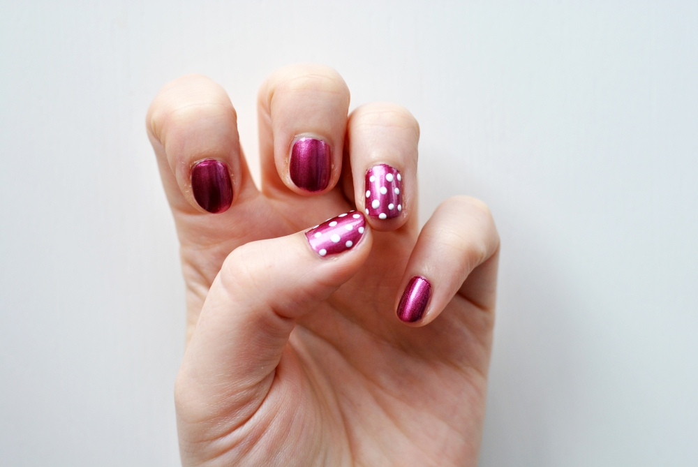 p2 essie minnie mouse manicure