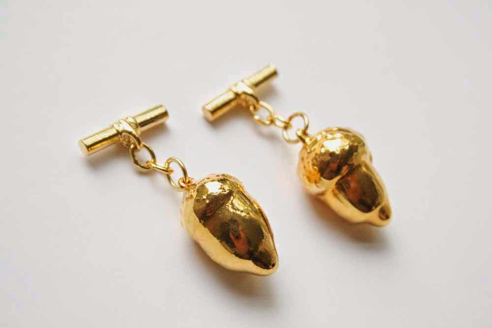 Real Acorn cufflinks in gold.