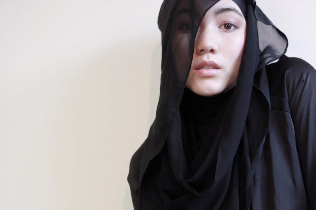 Hot Muslim Women in Hijab