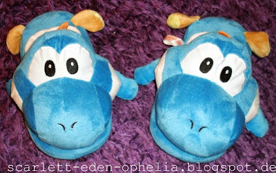 Nerd Geek Slippers Plush Super Mario blue