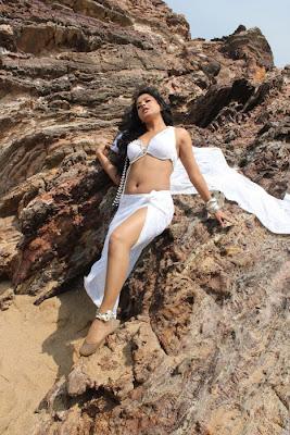 Actress Rachana Mourya Hot Navel show Pictures