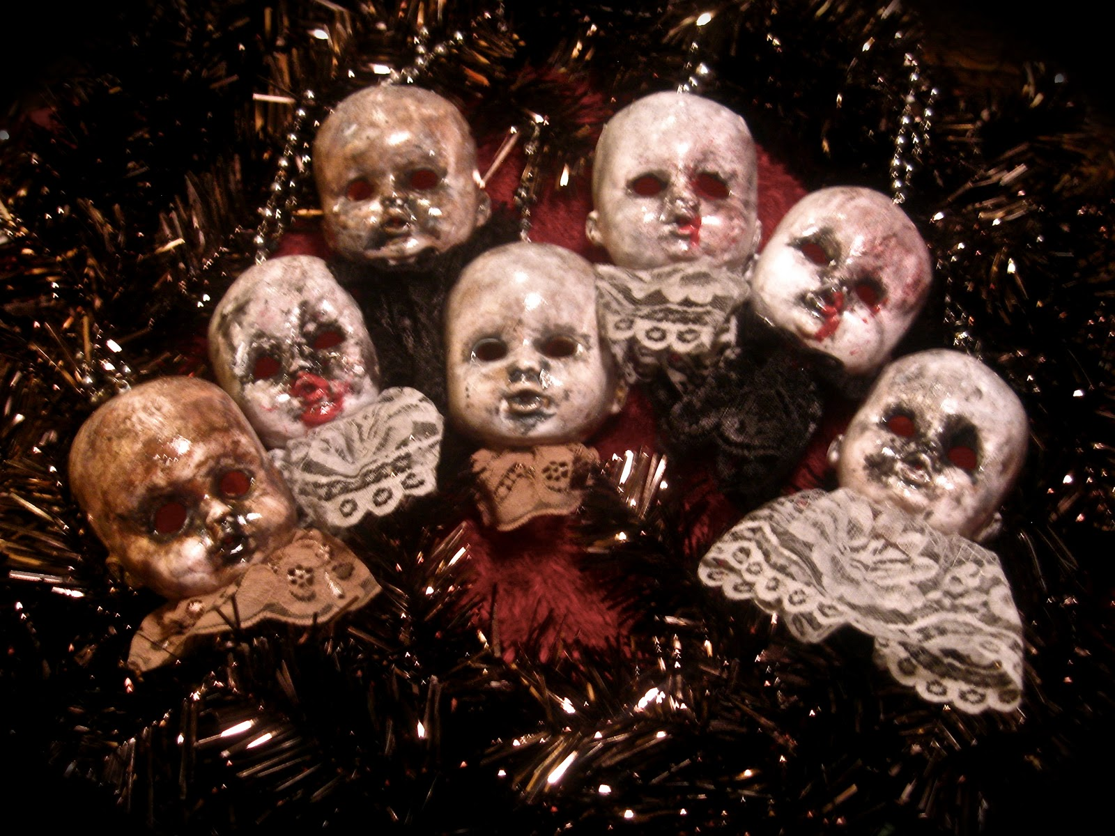 creepy christmas ornaments - Creepy Christmas Decorations