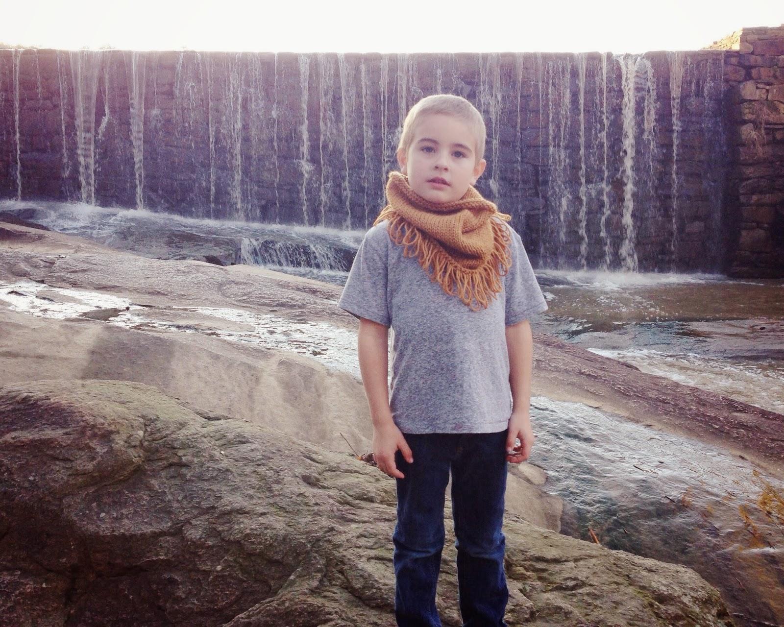 free-knitting-pattern-bandana-scarf