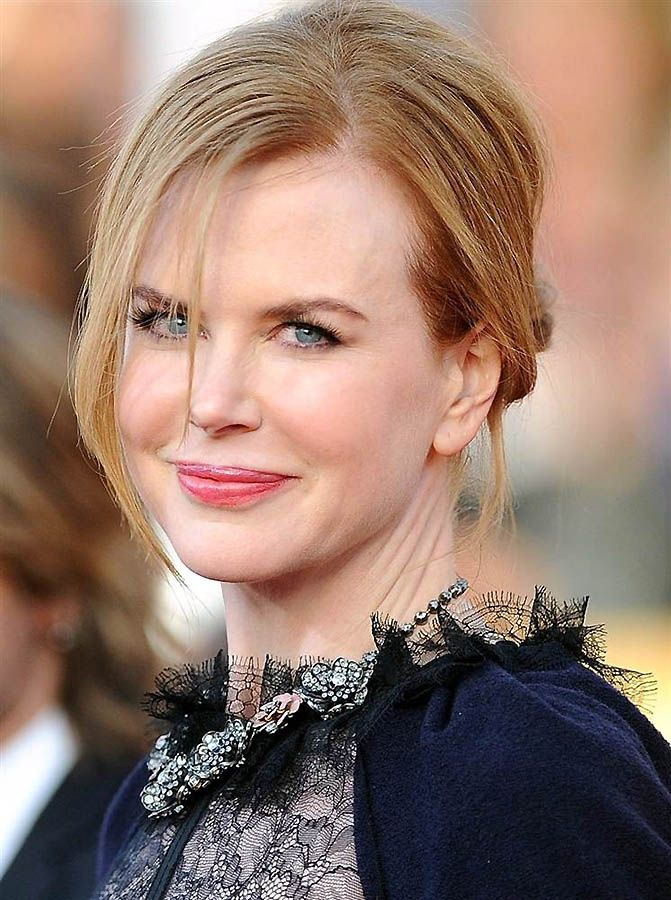 Nicole Kidman Oscars Dress. 2010 nicole-kidman-oscar-lip.