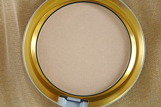 MAC Cinderella Mystery Princess Beauty Powder, beauty, highlighter, MAC, make up, powder, review,