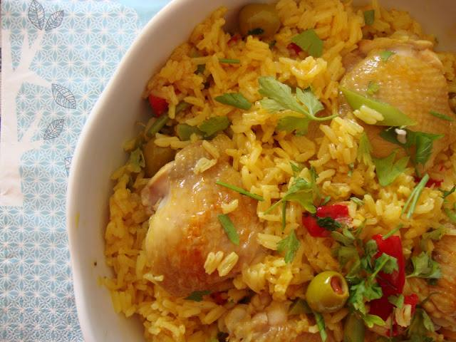 chicken and turmeric rice