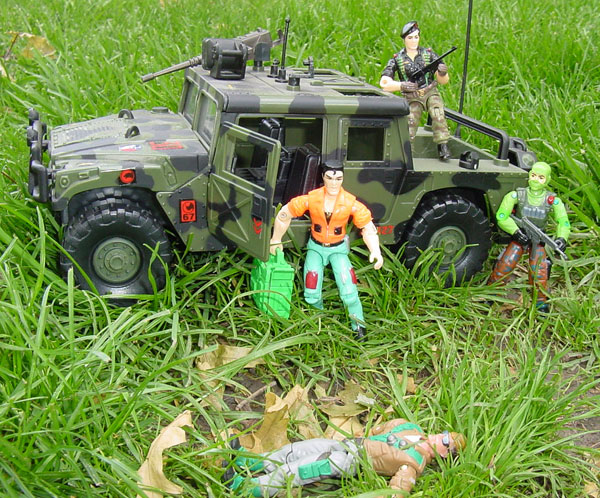 2003 Funskool Grunt, 1998 Vypra, India, TRU Exclusive, Flint