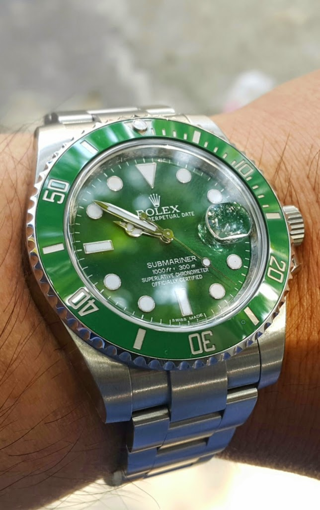 SOLD : ROLEX SUBMARINER GREEN DIAL CERAMICS - ROLEX 116610LV aka HULK SUBMARINER - LNIB YEAR 2014