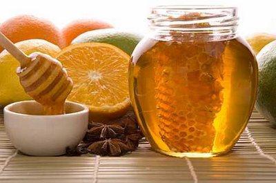العسل والفواكة للقضاء على تقصف الشعر