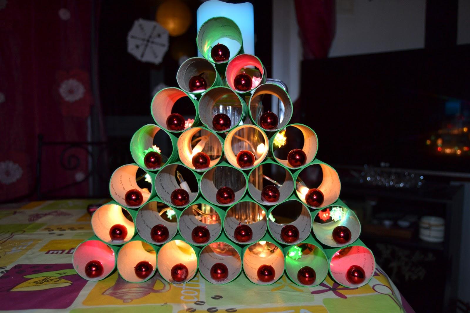 creative live rbol de Navidad reciclado con canutos de papel higinico