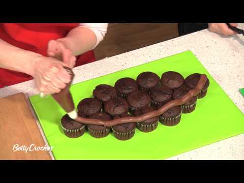 Football Cake Decorating Ideas How To Make : Cupcakes: Football Cake Decorating Ideas - How To Make a ...