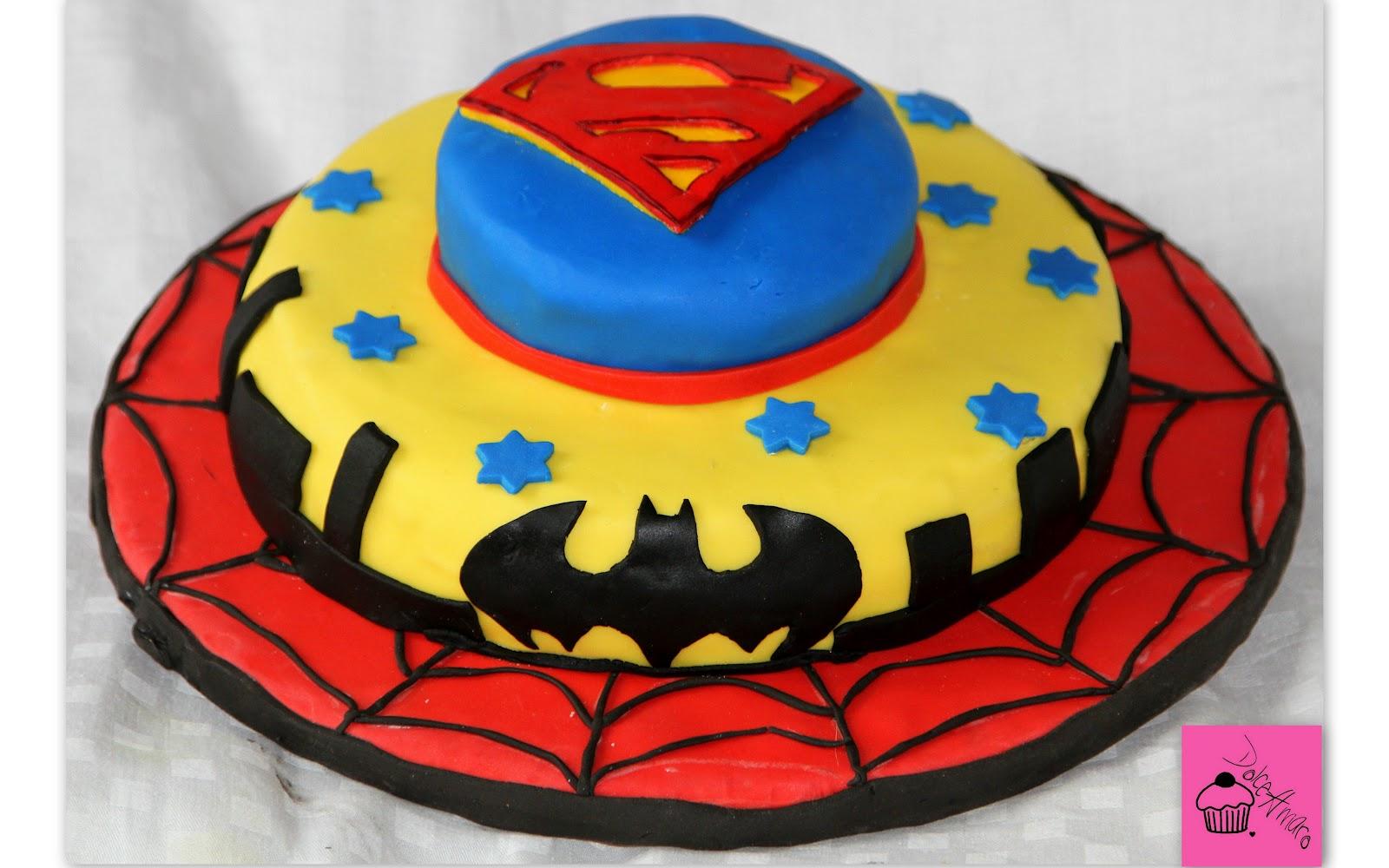 dolceamaro torta di compleanno dei supereroi. Black Bedroom Furniture Sets. Home Design Ideas