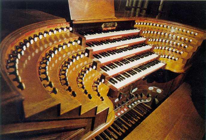 Tastiere dell' organo ottocentesco, chiesa di saint sulpice, parigi