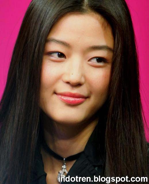 Hyun yang juga dikenal Gianna Jun adalah seorang aktris cantik Korea