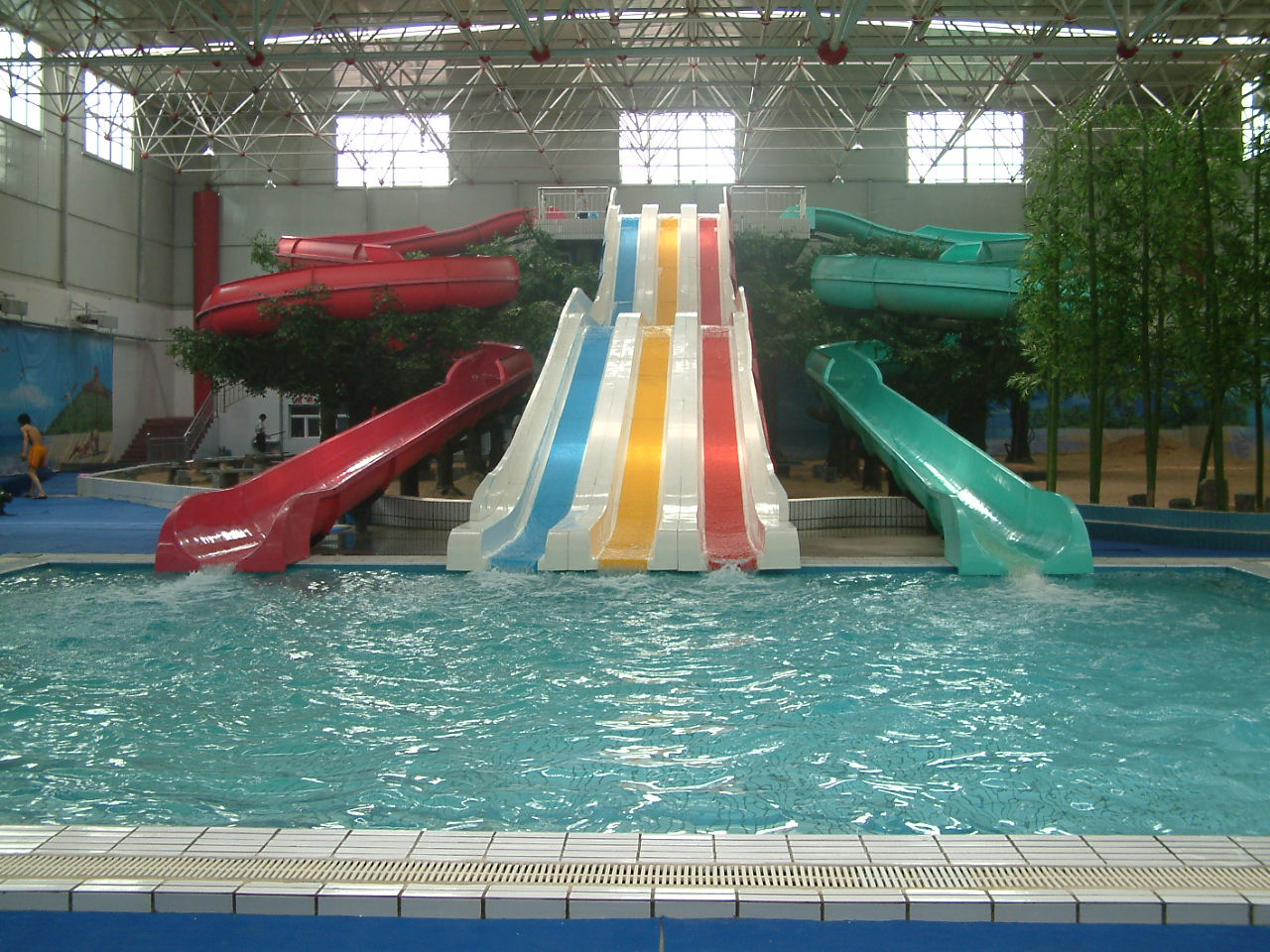 Indoor water parks Indoor swimming pool pictures