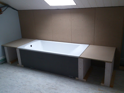 la grange de pelest salle de bain tage. Black Bedroom Furniture Sets. Home Design Ideas