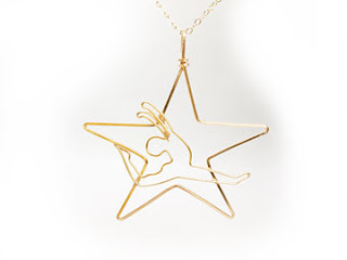 Pendant star in square wire and dancer