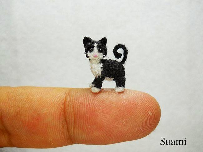 Miniatura de gato em crochê