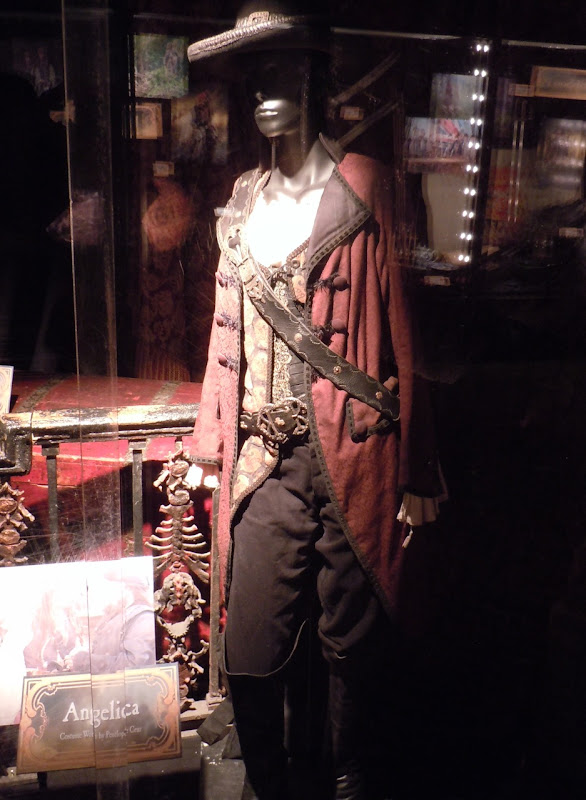 Angelica Pirates of the Caribbean On Stranger Tides costume