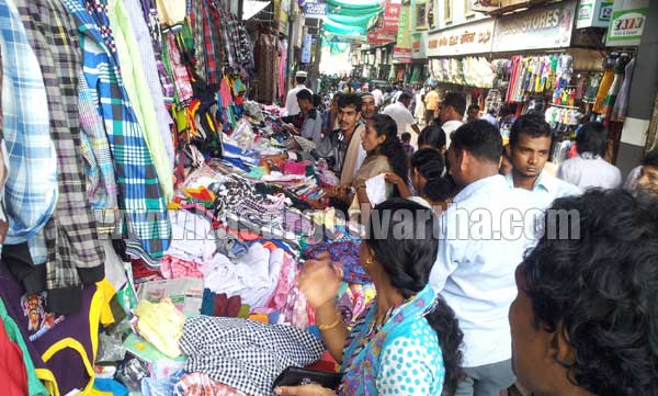 Eid, Kasaragod, Celebration, Business, Rush, Muslim, Dress, Police