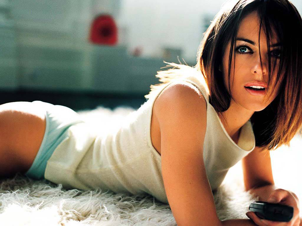 Hot Elizabeth Hurley Pictures