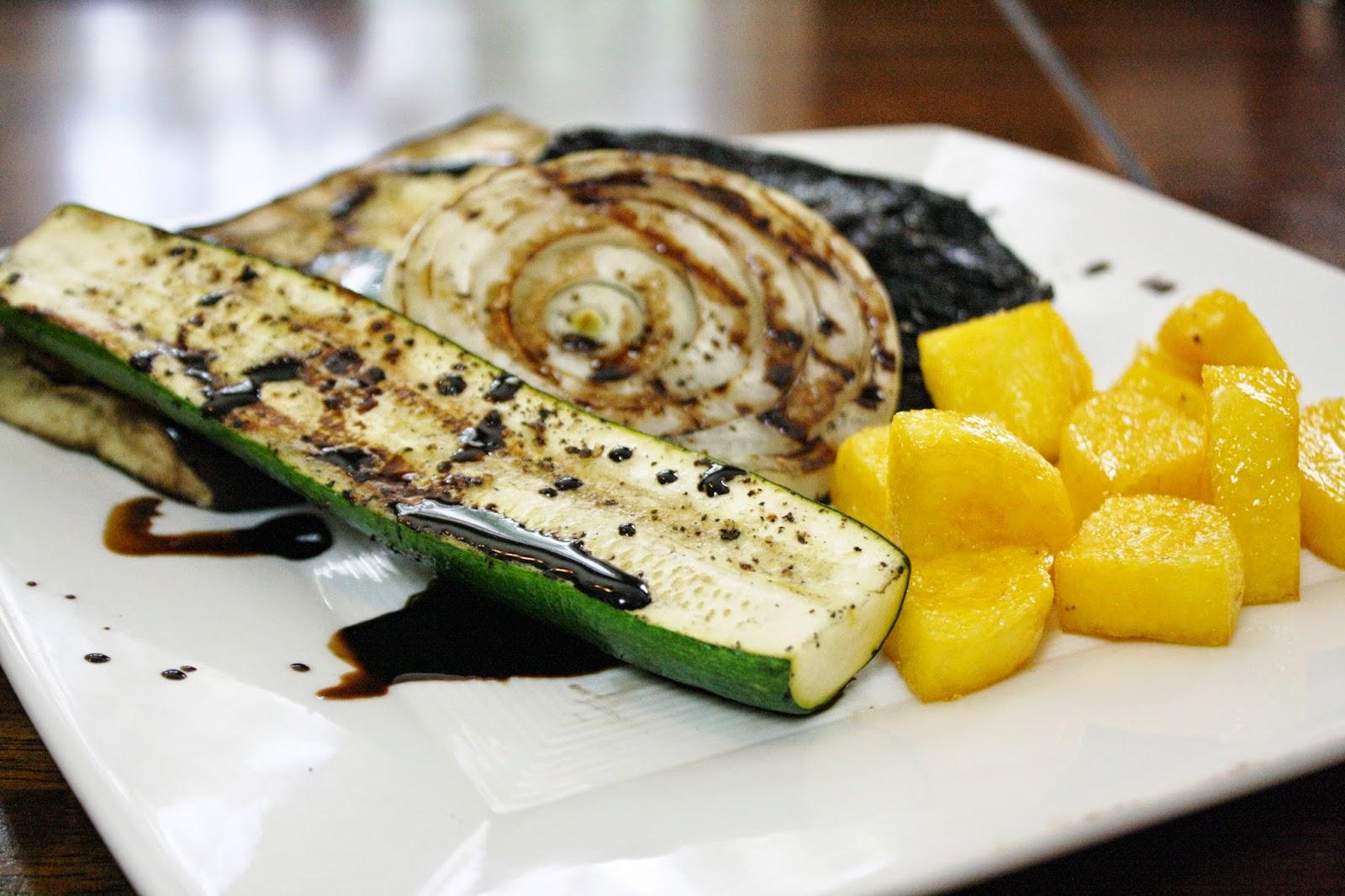 http://eatprayjuice.blogspot.com/2014/06/grilled-vegetables-with-polenta.html