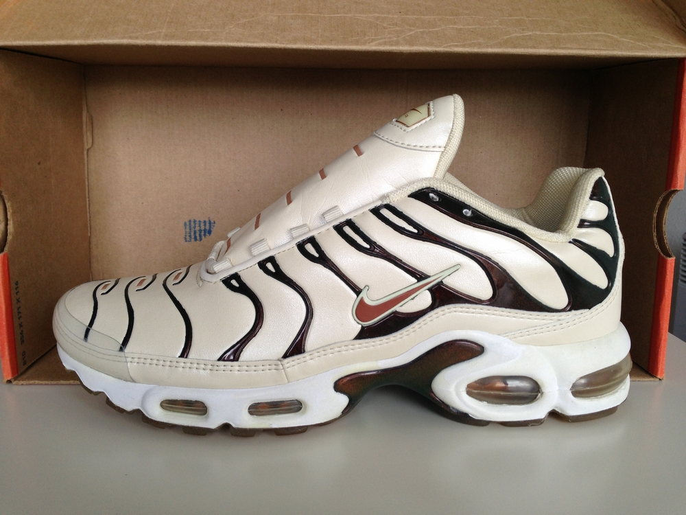 2001 WMNS AIR MAX PLUS LEATHER 605163 081